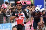 Caleb Ewan bei seinem zweiten Giro-Etappensieg innerhalb von drei Tagen (Foto: twitter.com/giroditalia)