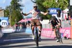 Andrea Vendrame gewinnt das Sprintduell gegen Mitausreißer Christopher Hamilton (Foto: twitter.com/giroditalia)