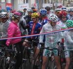 Nasses Wetter begleitete die Fahrerinnen an den ersten Tagen
