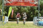 Die Tschechen Ondrej Fojtik und Ivan Rybarik erreichen das Ziel gemeinsam mit großem Vorsprung (Foto: crocodile-trophy.com)