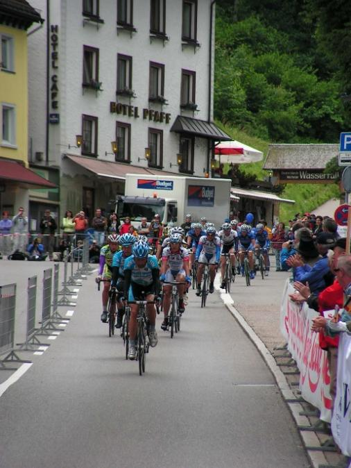 Peloton in Triberg