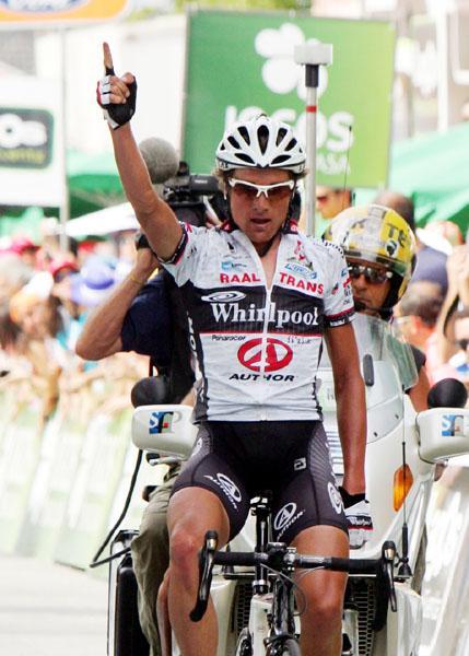 http://06.live-radsport.ch/thumb_uc_13214_506_Patrick_Sinkewitz_gewinnt_als_erster_Nicht-Portugiese_bei_Volta_a_Portugal_-_Hondo_weiter_Gesamt-2.jpg